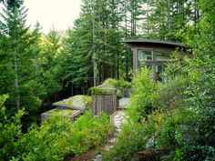 Coolest Cabins: Grass roof cabin