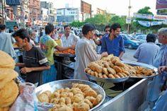 celebrate Ramadan in Pakistan