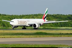Boeing 777-31H/ER aircraft picture