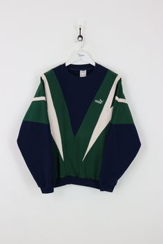"""Very good condition, vintage Puma sweatshirt. Measurements: Pit to pit - 25"""" Length on back - 29"""" Vintage items will usually show a few signs of wear or fading"""