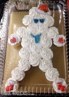 Just one week left 'til Christmas (!), and the wrecks you guys are sending in just keep getting more bizarre by the day: Snowman? Bad Cakes, Just Cakes, Cakes Gone Wrong, Cake Disasters, Ugly Cakes, The Final Countdown, Funny Cake, Cake Wrecks, Retro Ads