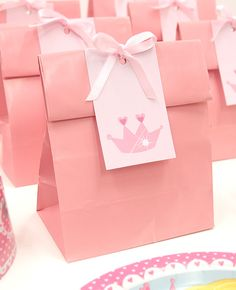 How cute are these DIY princess party bags? Perfect for a princess birthday party, download our free printable gift tags on our blog.