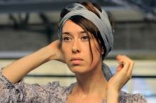 Thumbnail image for Video: 4 Ways To Wear A Scarf In Your Hair
