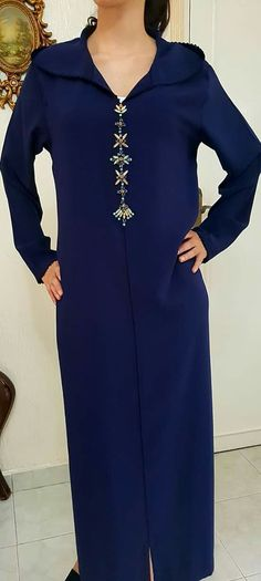 Modest Fashion, Fashion Outfits, Arabic Dress, Embroidery Suits Design, Arab Fashion, Moroccan Caftan, Stylish Tops, Mode Hijab, Summer Outfits Women