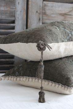 Pillow trim details.