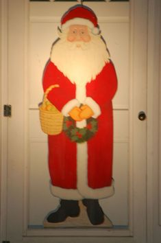 Your Custom Wood Doors Offer The Ideal Platform To Display Imagination And Joyous Cheer There Is Almost No Limit Wide Range Of Decorations