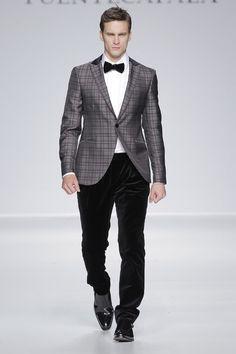 Traje de ceremonia para novios y padrinos de Fuentecapala {Colección Brit 2014} #groom #tuxedo