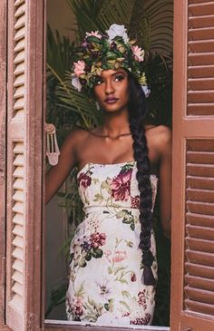 ideas for flowers in hair black girl Black Girl Magic, Black Girls, Beautiful Black Women, Beautiful People, Hello Beautiful, Beautiful Oops, Beautiful Pictures, Skin Girl, Curly Hair Styles