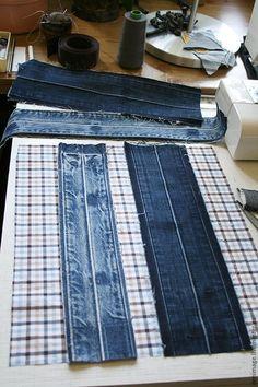 how to sew a stylish bag from old jeans. DIY Tutorial how to sew a stylish bag from old jeans. Diy Jeans, Denim Bags From Jeans, Denim Purse, Jeans Recycling, Blue Jean Purses, Diy Sac, Denim Ideas, Denim Crafts, Sewing Hacks