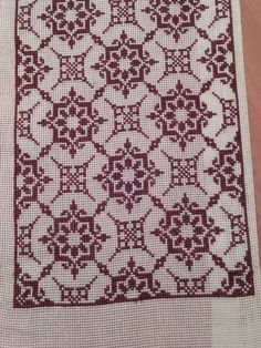 Cross Stitch Art, Cross Stitch Designs, Cross Stitching, Cross Stitch Patterns, Indian Embroidery Designs, Chicken Scratch, Filet Crochet, Handicraft, Embroidery Stitches