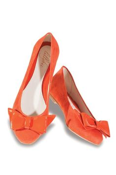 Orange and bows. It couldn't get any better.
