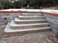 BatirSaMaison.net: Construire un Escalier en béton de type pyramidal (avec angles arrondis)