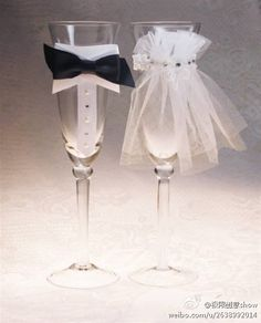 Aren't these the cutest wedding glasses you've ever seen? Totally ideal for Bride & Groom.