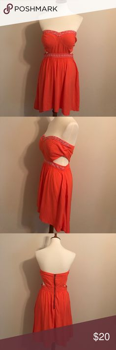 Roxy High/Low Strapless Dress Coral Roxy dress in gently used condition. Size L Roxy Dresses High Low