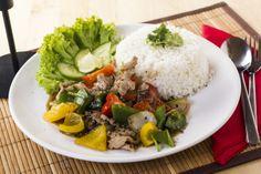 Akik szeretik a fekete borsot, azok kedvence lehet a Sertés fekete borssal nevű thai étel.