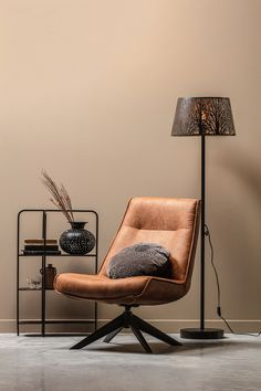 Living Room Chairs, Living Room Furniture, Living Rooms, Sofas, Swivel Armchair, Furniture Decor, Modern Design, Inspiration, Vintage