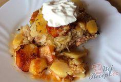 Toto je vzpomínka na mou babičku. Já jsem si recept trošku upravila, přidala jsem mleté maso. Kdysi to bylo jídlo chudých - brambory měl každý, kysané zelí si naložili do sudů a slanina také nemohla chybět :) Beef Recipes, Cooking Recipes, Potato Dishes, Baked Potato, Pork, Food And Drink, Potatoes, Eggs, Breakfast