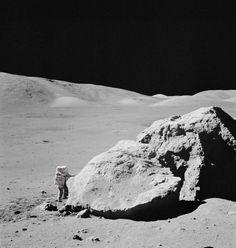 Apollo 17 - huge boulder