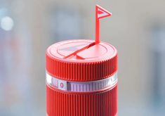 vittel refresh water bottle cap reminds you to stay hydrated
