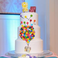 24 Disney-inspired wedding cakes you're going to adore Disney Up Wedding, Disney Inspired Wedding, Disney Weddings, Themed Wedding Cakes, Wedding Cake Toppers, Themed Weddings, Disney Up Cake, Disney Themed Cakes, Beauty And The Beast Party