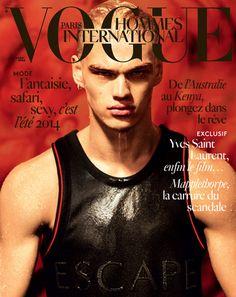 Le numéro printemps-été 2014 de Vogue Hommes International http://www.vogue.fr/vogue-hommes/magazine/diaporama/le-numero-printemps-ete-2014-de-vogue-hommes-international-mert-marcus-filip-hrivnak/17934