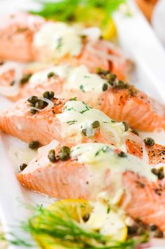 This poached salmon with capers and hollandaise sauce is healthy and unbelievably delicious, too. The salmon is perfectly poached within . Salmon Recipes, Fish Recipes, Seafood Recipes, Gourmet Recipes, Healthy Recipes, Healthy Foods, Quick Weeknight Meals, Easy Meals, Fresco