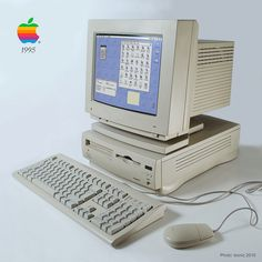 This was my second Macintosh computer, following the old Performa 450. Apple Performa 6200 and I had it for some years until it felt very slow and I loved it back then.