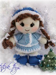 PDF Мастер-класс по вязанию куклы крючком в костюме Снегурочки #схемыамигуруми #амигуруми #вязаныеигрушки #вязанаякукла #amigurumipattern #crochetdoll #amigurumidoll Amigurumi Doll Pattern, Crochet Dolls Free Patterns, Afghan Crochet Patterns, Craft Patterns, Free Crochet, Crochet Panda, Crochet Fruit, Crochet Gifts, Fabric Dolls