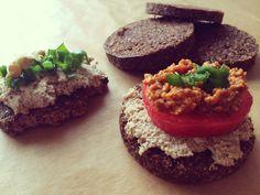 Zeleninová fašírka #placky #raw #vegan #bezlepkové Raw Vegan, Avocado Toast, Recipe Ideas, Vegan Recipes, Breakfast, Healthy, Food, Vegane Rezepte, Hoods