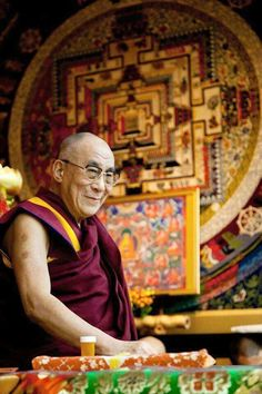 """""""Open-minded people tend to be interested in Buddhism because Buddha urged people to investigate things -- he didn't just command them to believe."""" ~His Holiness the Dalai Lama . Buddha Zen, Buddha Buddhism, Tibetan Buddhism, Gautama Buddha, Buddhist Wisdom, Buddhist Teachings, Buddhist Quotes, 14th Dalai Lama, Tibet"""