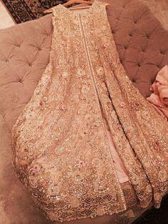 PakMonitor - News Around The Globe : FARIDA HASAN NOW TAKING BRIDAL ORDERS!