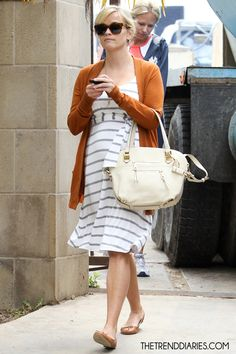 Reese Witherspoon out in Bel Air, California - May 2, 2012  I really like the outfit