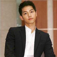 Sung Jong Ki, Song Hye Kyo, Joong Ki, Descendants, Asian Boys, Korean Actors, Korean Drama, Actors & Actresses, Kdrama