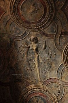 margadirube:  doll61: lalulutres: Richly-detailed fresco on an arched ceiling, Pompeii, 79 AD Bliss ~doll61