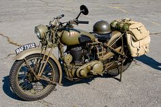 Wwii royal Enfield Plus British Motorcycles, Vintage Motorcycles, Harley Davidson Motorcycles, Custom Motorcycles, Royal Enfield, Retro Vintage, Vintage Bikes, Vespa, Motos Retro