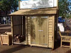 Wooden bike shed and log store - wood design Shed With Log Store, 8x8 Shed, Garden Shed Interiors, Garden Sheds, Farmhouse Sheds, Shed Cabin, Free Shed, Shed Blueprints, Summer House Garden