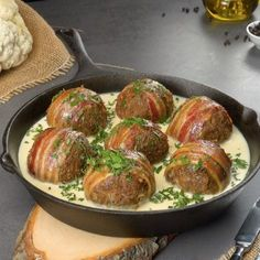 Cauliflower balls with minced meat and bacon - Bacon Rezepte - Cauliflower balls with minced meat and bacon ingredients and recipe at the link - Lunch Recipes, Healthy Dinner Recipes, Beef Recipes, Vegetarian Recipes, Cooking Recipes, Easter Recipes, Tasty Videos, Healthy Recipe Videos, Food Videos