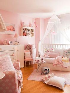 Dúplex de diseño: Dormitorio en rosa para niña