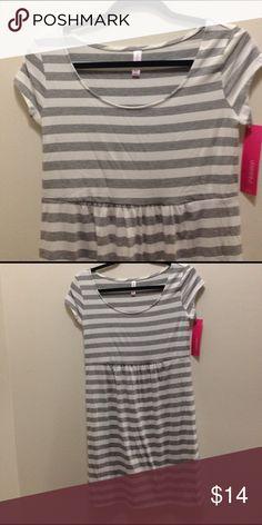 🆕 Xhilaration dress size M. Gray and white striped dress. Soft and stretchy. Size M. Clean tags. Xhilaration Dresses Midi