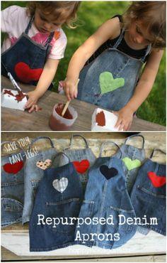 tablier pour les enfants en jeans diy apron for kids in jeans diy Jean Crafts, Denim Crafts, Diy Jeans, Artisanats Denim, Jean Diy, Denim Ideas, Sewing Aprons, Sewing Jeans, Kids Apron