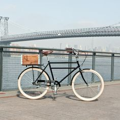 Brooklyn Cruiser, vintage-inspired commuter bike and crate