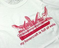Kuva: Perjantain kevennys. Kaikenlaisia t-paitoja sitä onkin :-D Aiheeseen vihkiytyneet suuntaavat viikonlopun kunniaksi osoitteeseen http://www.montypython.com
