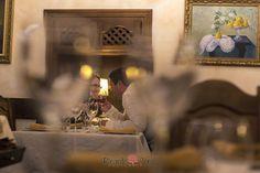 Preboda de una pareja divertida y enamorada - Ricardo Coral Photography Coral, Table Decorations, Painting, Daytime Wedding, Illusions, Couples, Hilarious, Painting Art, Paintings