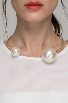 In love right now: @Frontrowshop Inc. oversized pearl collar <3 <3