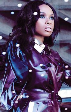 jennifer-hudson style...in Burberry trench coat