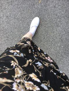 Waist Skirt, High Waisted Skirt, Walk In My Shoes, Walking, Floral, Skirts, Fashion, Moda, Skirt