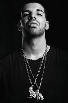 """In Deutschland kennt man ihn kaum, in Nordamerika ist er ein Superstar: Rapper Drake hat den Hip-Hop für Gefühle und ein modernes Männerbild geöffnet. Über Nacht erschien nun """"Views"""". Die Album-Kritik."""