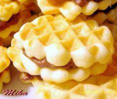saće Romanian Desserts, Romanian Food, Romanian Recipes, No Cook Desserts, Just Desserts, Breakfast Snacks, Breakfast Recipes, Cake Recipes, Dessert Recipes