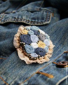 """брошь """"Джинсовая"""" с пиритом, большая - голубой,джинсовый стиль,джинсовая брошь"""