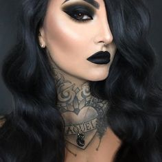 Black Lipstick Makeup, Eyeshadow Makeup, Black Goth Makeup, Gothic Eye Makeup, Red And Black Eye Makeup, Black Makeup Looks, Black Smokey Eye Makeup, Punk Makeup, Dark Eye Makeup